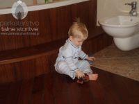 05teak leseni podi kopalnica